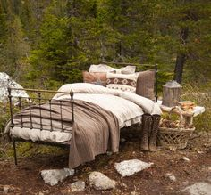 roughing it.I could go camping this way Outdoor Spaces, Outdoor Living, Outdoor Decor, Outdoor Bedroom, Homestead House, Interior Decorating Tips, Inside Outside, Just Dream, Cabins In The Woods