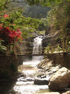 Hike to waterfall at Quimixto?