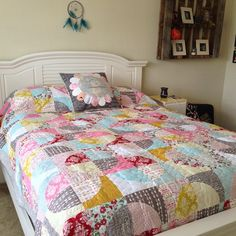 """Abby's quilt finished and in its final place! Fabric line """"Remember"""" Carina Gardner for Riley Blake Designs #carinagardner #rileyblake #elisasbackporchdesign #quilt #circlequilt"""