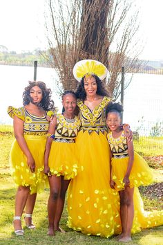 Bontle Bride Magazine is a wedding magazine with a flavour of culture featuring traditional weddings, tips and ideas. South African Traditional Dresses, African Traditional Wedding Dress, Traditional Wedding Attire, Traditional Weddings, African Print Wedding Dress, African Wedding Attire, African Attire, African Dress, Zulu Wedding
