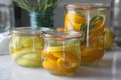 Here's a quick way to turn your leftover peels into an inexpensive, all-purpose cleaning vinegar that's perfect for kitchens and bathrooms, removing buildup and grime, and more. Cleaning Spray, Diy Cleaning Products, Cleaning Vinegar, Cleaning Hacks, Cleaning Agent, Diy Products, Cleaning Recipes, Cleaning Solutions, Strawberry Vinaigrette
