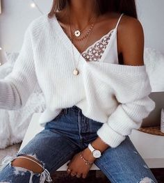 Gold Chain Ripped skinny jeans white oversized fluffy v neck sweater lace lingerie top bra gold chains necklaces casual sophisticated cool winter fall outfit fashion inspo trends accessories jewellery Mode Outfits, Fashion Outfits, Womens Fashion, Fashion Trends, Fashion Bloggers, Insta Outfits, Fashion Blogger Style, Teen Outfits, Dress Fashion