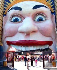 I remember childhood trips here. Luna Park Sydney, Visit Sydney, Harbor Bridge, Fun Fair, Park Photos, Wombat, Sideshow, Sydney Australia, Amusement Park
