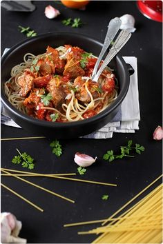 Italian food will be very important to you during and after your Italy vacation. Most people are usually surprised by the diversity of food in Italy No Salt Recipes, Pasta Recipes, Dinner Recipes, Cas, Gremolata, I Love Pizza, Pasta Dinners, Beef Steak, Soul Food