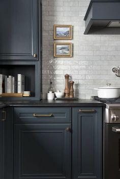 Breaking Down My Kitchen Cabinetry Hardware - Room for Tuesday - kitchenideas Home Decor Kitchen, Diy Kitchen, Kitchen Interior, Kitchen Layout, Awesome Kitchen, Kitchen Furniture, Kitchen Hacks, Coastal Interior, Diy Interior