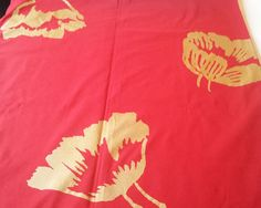 "Cotton fabric, which has red background with hand-drawn liked gold toned flower pattern. Size of the tablecloth is: 139 cm x cm / x "". The tablecloth has all sewn hems, which are sewn with red thread. Marimekko, T Shirt Diy, Gold Flowers, Red Background, Heat Transfer Vinyl, Red Gold, Flower Patterns, Finland, How To Draw Hands"