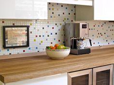 Wnętrza, Mozaika do Kuchni - Mozaika w kuchni Mozaika wraca na salony i to w dosłownym tego słowa znaczeniu, chociaż w nieco innym stylu niż ta tradycyjna, do której...
