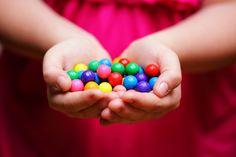 Le caramelle: una minaccia significativa per i bambini sotto i 3 anni.Questo il titolo dell'ultimo articolo che potete trovare su MDP MAGAZINE. Prevenzione PRIMARIA per proteggere la Vita di un Bambino sopratutto sotto i 3 anni. http://www.manovredisostruzionepediatriche.com/manovre-salvavita/20-cibi-e-oggetti-pericolosi/823-le-caramelle-una-minaccia-significativa-per-i-bambini-sotto-i-3-anni.html