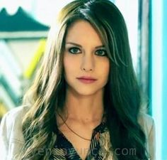 Ezgi Asaroğlu Mix Photo, Turkish Beauty, Face Hair, Celebs, Actresses, Long Hair Styles, Film, People, Stars