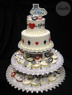 Celebrate your love of Las Vegas with the love of your life and consider bringing one of these cakes to the table. Description from featured.rosiecakediva.com. I searched for this on bing.com/images