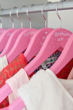 #DIY #HEMA #wardrobe #clothing #pink Diy Wardrobe, Wardrobe Clothing, Retail Me, Clothes Hanger, Hangers, Girls Bedroom, Restoration, Diy Projects, Room Decor