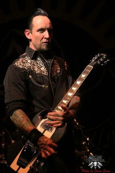 I can't even describe how wonderfully sexy this man is... I've run out of words  lol #michaelpoulsen #Volbeat