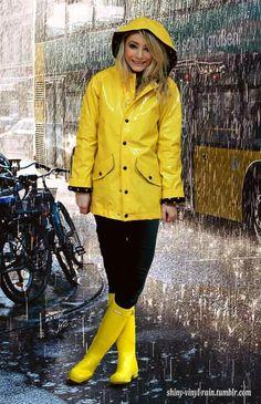 Vinyl Rain — yellow angel in rubber boots Yellow Wellies, Yellow Rain Jacket, Yellow Coat, Yellow Raincoat, Rainy Day Fashion, Winter Fashion, Rain Boots Fashion, Hunter Boots Outfit, Rain