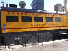 Carneys Restaurant am Sunset Boulevard in Los Angeles Universal Studios, Sunset Boulevard, Los Angeles Restaurants, Sunset Strip, Park, World, Wanderlust, Fast Food Chains, Parks