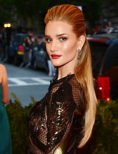 Rosie Huntington-Whiteley's dominatrix edgy hair