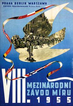 Velo Illustration 018: «Berlin Prag Warschau 1955». Die Internationale Friedensfahrt 1955 führte von Prag über Ost-Berlin nach Warschau. Das mit 2214 km in 13 Etappen international bedeutendste und schwerste Amateur-Radrennen wurde von Gustav-Adolf «Täve» Schur gewonnen, dem populärsten Sportler der DDR.