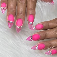 """1,801 Likes, 12 Comments - Yvett (@yvynails) on Instagram: """"Crystal Clear & Matte pink💎💎 #yvynails #nailstyle #nailsofig  #nailsmagazine #nailpro #nailit…"""""""