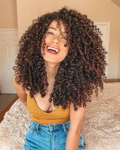 Quince Hairstyles, Sleep Hairstyles, Cute Curly Hairstyles, Curly Hair Cuts, Elegant Hairstyles, Party Hairstyles, Curly Hair Styles, Natural Hair Styles, Girl Hairstyles