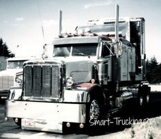 1987 Peterbilt 377 Custom Truck. This rig was powered up with a custom built 700 Hp Cat 3406 , Schwitzer turbo, propane injection and rev limiter at around 2600... mega power!