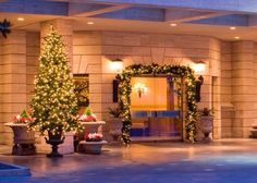 The St. Regis Houston - Houston Venues - Glamorous hotel wedding reception venue