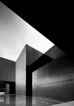 Jose de guimaraes // international arts centre.
