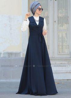 New Skirt Blue Outfit Navy Long 29 Ideas Modest Dresses, Modest Outfits, Modest Fashion, Hijab Fashion, Casual Dresses, Fashion Dresses, Muslim Dress, Hijab Dress, Moslem Fashion