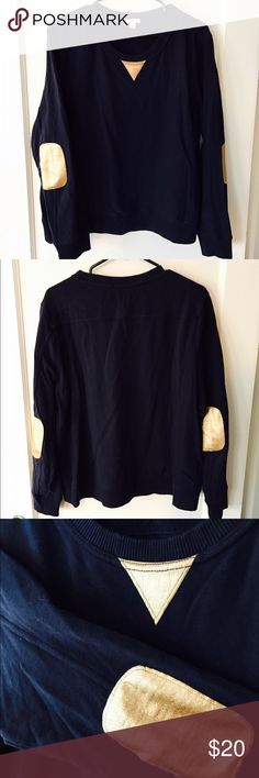 Gap Preppy Navy Sweater with Gold Elbow Pads Stylish meets comfortable in this cute navy blue sweater, featuring faux-leather gold elbow pads and neck detail. Perfect alone or layered over a white button up for the ultimate in preppy style! Fits like a large GAP Sweaters Crew & Scoop Necks