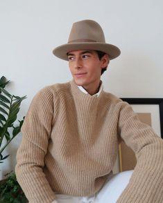 """Nathan Graff 🌞 on Instagram: """"Shades of autumn 🍂 Ces photos crient «Nathan de 2019» j'ai l'impression que c'est un tb !! (Je savais pas laquelle poster)"""" Selfish, Men Sweater, Pullover, Instagram, Sweaters, Photos, Outfits, Fashion, Clothing"""