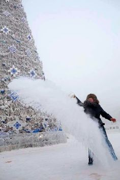 Throwing a cup of water into  the frozen air ...