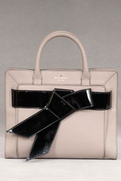 Kate Spade Bow Valley Rosa In Taupe