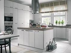 Breathtaking 46 White Scandinavian Kitchen Decoration Ideas https://toparchitecture.net/2018/01/10/46-white-scandinavian-kitchen-decoration-ideas/