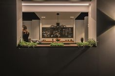KING GEORGE @ booth Fraeye #Interieur14 textured black chandelier #lighting #design kitchen lighting ideas