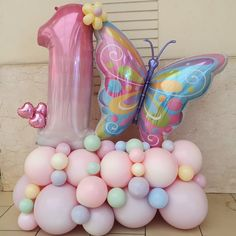Butterfly Balloons, Butterfly Birthday Party, Birthday Diy, 1st Birthday Girls, Birthday Party Themes, Girl Birthday Decorations, Birthday Balloon Decorations, Birthday Balloons, Balloon Bouquet Delivery