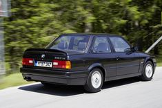 Do you need E30 electrical troubleshooting and wiring diagrams to diagnose issues with your E30? PDF downloads of official BMW manuals are…