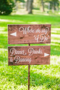 Rustic signage is always appropriate for a fall wedding! {The Bird & The Bear}