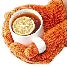 Hands in orange knitted mittens holding a cup of tea with lemon by Lisovskaya Natalia, via Shutterstock Orange Is The New Black, Orange Yellow, Orange Color, Light Orange, Autumn Tea, Coral, Orange You Glad, Orange Crush, Winter Colors