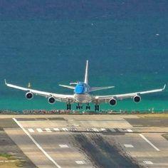 KLM on finals at Maho Beach, St. Maarten ...