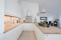There is no question that designing a new kitchen layout for a large kitchen is much easier than for a small kitchen. A large kitchen provides a designer with adequate space to incorporate many convenient kitchen accessories such as wall ovens, raised. White Ikea Kitchen, New Kitchen, Kitchen Decor, Kitchen Ideas, U Shaped Kitchen, Scandinavian Kitchen, Kitchen Worktop, Küchen Design, Interior Design Kitchen