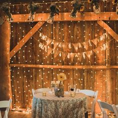 Fresh sunflowers paired with twinkle lights can easily add natural elegance. 24 Ways To Throw A Spectacular Country-Themed Wedding Perfect Wedding, Fall Wedding, Our Wedding, Dream Wedding, Trendy Wedding, Wedding Country, Country Weddings, Sweet Heart Table Wedding, Wedding Table