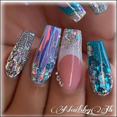 110 creative designs for black acrylic nails that will catch your eye page 23 Nails creative nails Sparkly Nails, Silver Nails, Glam Nails, Bling Nails, Black Acrylic Nails, Best Acrylic Nails, Nailart, Mermaid Nails, Fire Nails