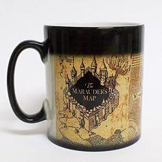"""Méfait accompli ! Mug thermoréactif """"carte du maraudeur"""" Harry Potter : Réagit à la chaleur de votre boisson Checkez votre carte à tout moment Discrétion assurée !"""