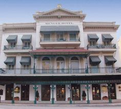 The wonderful Menger Hotel    San Antonio  Great restaurant and bar - very famous