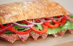 ¡La mejor Focaccia en Gelatiamo! Un pan que tiene como ingrediente especial el aceite de oliva. Crujientes y suaves, para degustarlas en Gelatiamo  o llevarlas a casa.