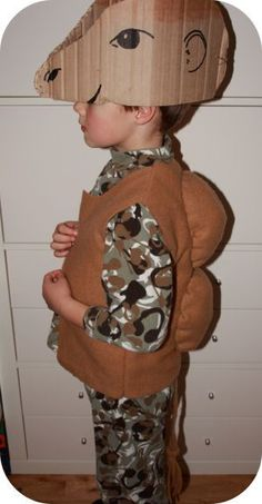 camel costume - not sure about the hat, but the vest tail combo is good Nativity Costumes, Diy Nativity, Christmas Nativity Scene, Childrens Christmas, Christmas Scenes, Christmas Pageant, Christmas Program, Christmas Costumes, Christmas Concert