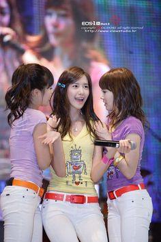 Girls Generation, South Korean Girls, Korean Girl Groups, Taeyeon Jessica, Bubblegum Pop, Yoona Snsd, Idole, Asian Celebrities, Korean Star