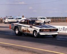 Nelson Carter owned some of the most famous funny cars of the late sixties. Carter was an Osage Indian who named the cars Super Chief as an ironic reminder of his heritage. No date for this photo. Funny Car Drag Racing, Nhra Drag Racing, Funny Cars, Auto Racing, Osage Indians, Cool Car Pictures, Plymouth Cars, Motor Yacht, Drag Cars