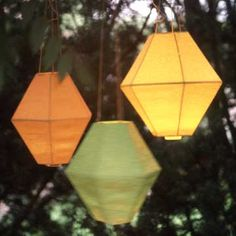 Outdoor Paper Lanterns These are so cool and seem easy to assemble...gonna give this a go!!!!