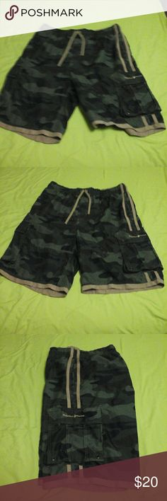 BEVERLY HILLS POLO CLUB SHORTS BEVERLY HILLS POLO CLUB CAMO SHORTS. BRAND NEW WITHOUT TAG. SIZE XL BEVERLY HILLS POLO CLUB Shorts Cargo