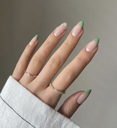 """fan outfits account on Twitter: """"spring nails… """" Oval Acrylic Nails, Almond Acrylic Nails, Acrylic Nails Green, Mint Green Nails, Almond Nails French, French Tip Gel Nails, Cute Almond Nails, Nail French, Green Nail Art"""