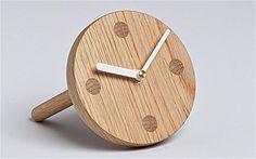 'clock one' is a brilliantly simple desk clock Home Clock, Desk Clock, Simple Desk, Modern Clock, London Design Festival, Wood Clocks, Wood Design, Wood Turning, Wood Furniture
